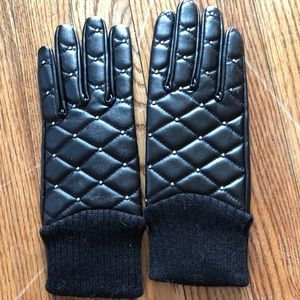 Accessories - Free black  gloves with purchase